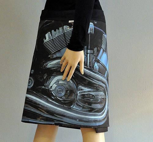 anett-franke-taf-woman-leipzig-rock-kultur-wickelrock-motorrad-digitaldruck-kunst