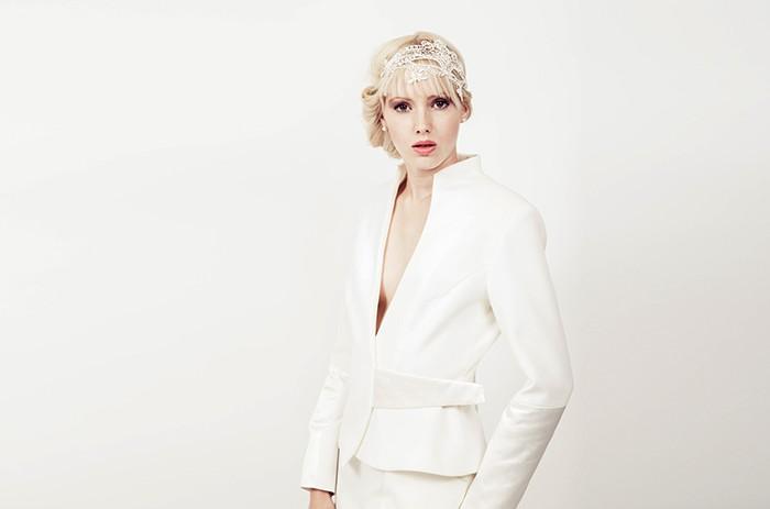 anett-franke-taf-woman-leipzig-kostüm-leger-creme-gabardine-puristisch-minimal-hochzeit-bridal-9561