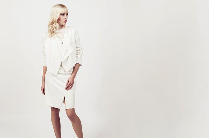 anett-franke-taf-woman-leipzig-kostüm-leger-creme-gabardine-puristisch-minimal-hochzeit-bridal-9587