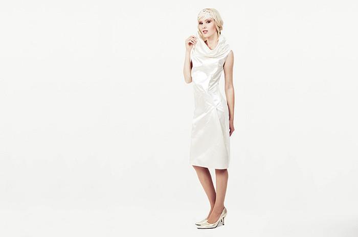 anett-franke-taf-woman-leipzig-modern-seide-kurz-puristisch-hochzeitskleid-bridalgown-9100