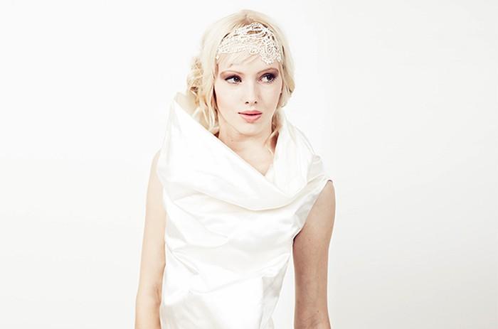 anett-franke-taf-woman-leipzig-modern-seide-kurz-puristisch-hochzeitskleid-bridalgown-9132