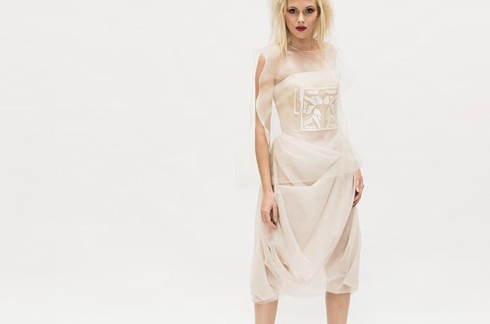 anett-franke-taf-woman-leipzig-seide-stickerei-avantgarde-hochzeitskleid-bridalgown--9