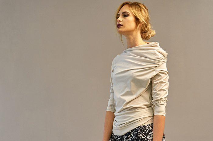 2017-kela-shirt-design-assymetrie-design-Taf Woman01003