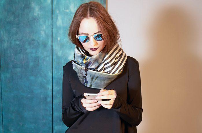 Taf-woman-schal-loop-samt-design--Fashion-Winter-2017_180311_1
