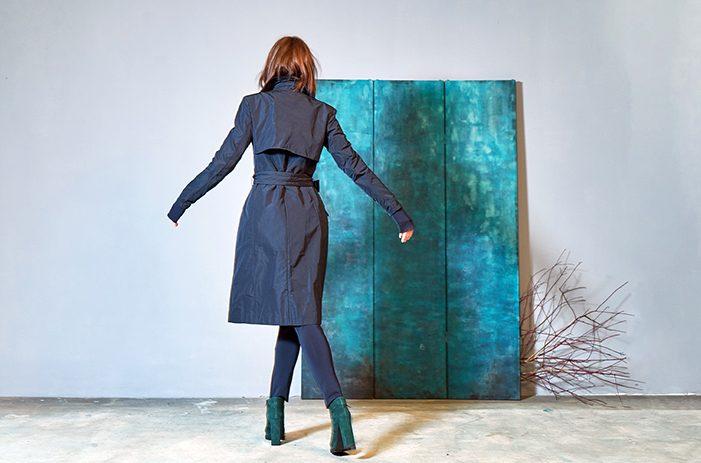 Taf-woman-trenchcoat-blau-design-Fashion-Winter-2017-0028_1
