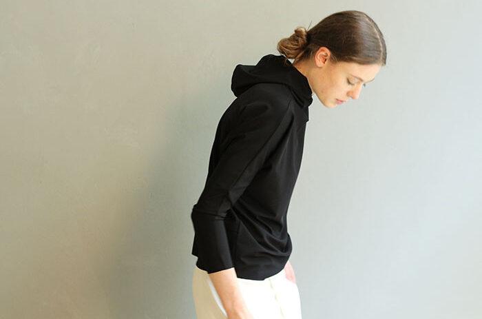 hoodie-black-leipzig-design-mode-taf-woman-4628_1